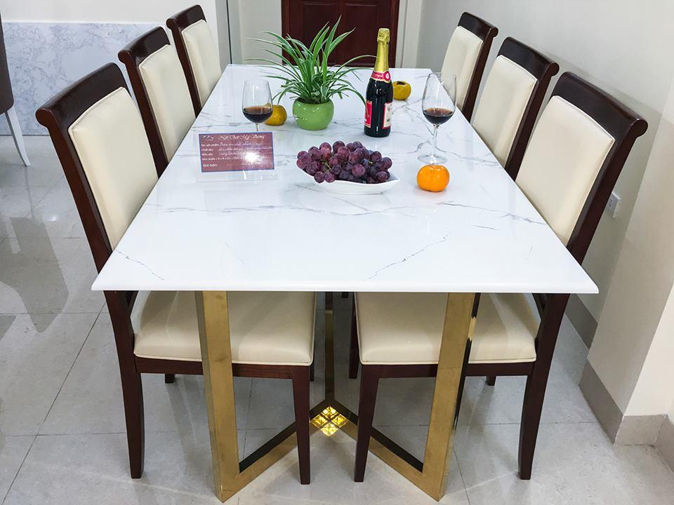 giao bộ bàn ăn 6 ghế mặt đá