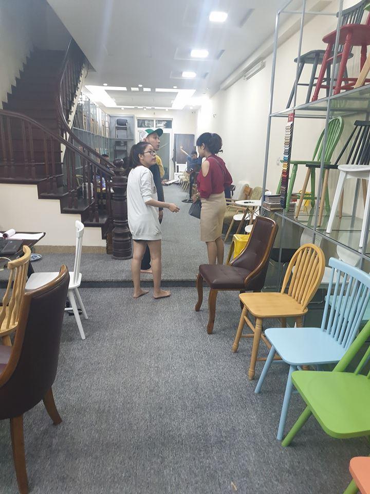 trưng bày bàn ghế ăn