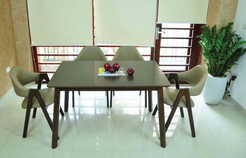 Mẫu 4: Bộ bàn ăn 4 ghế chữ A cao cấp