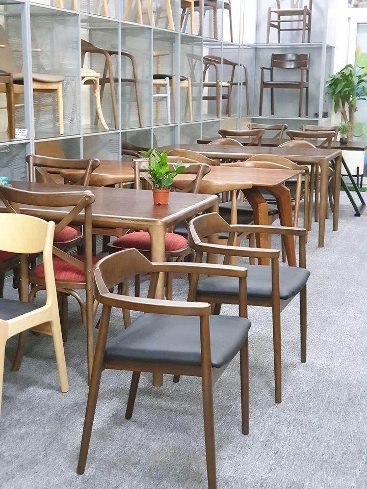 Một số hình ảnh về thiết kế showroom cho bàn ghế ăn