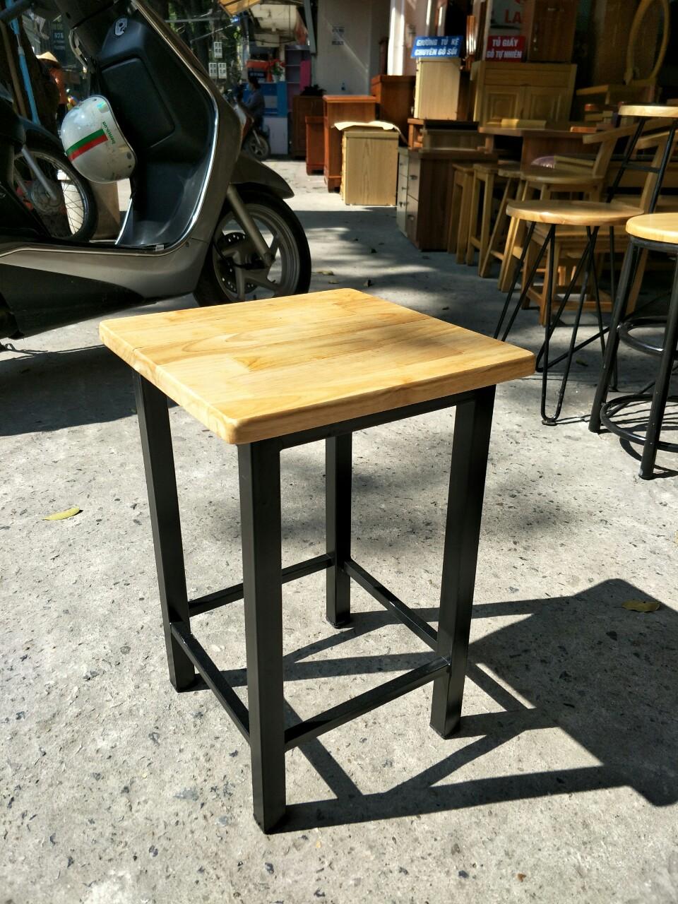 Mặt ghế đon vuông gỗ cao su chân sơn tĩnh điện