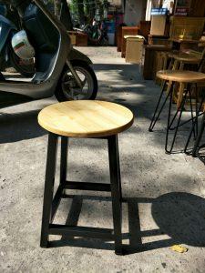 Hình ảnh các mẫu ghế đôn chân sắt xu hướng ghế ăn cafe năm 2019