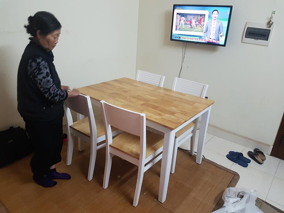 Giao bàn Ăn 4 ghế nhà Bác Hồng