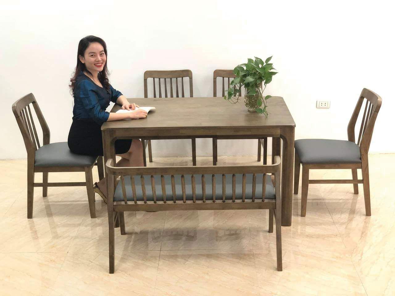 Giao bàn ăn gỗ óc chó cho chị Hồng chung cư Yên Hòa, Cầu Giấy