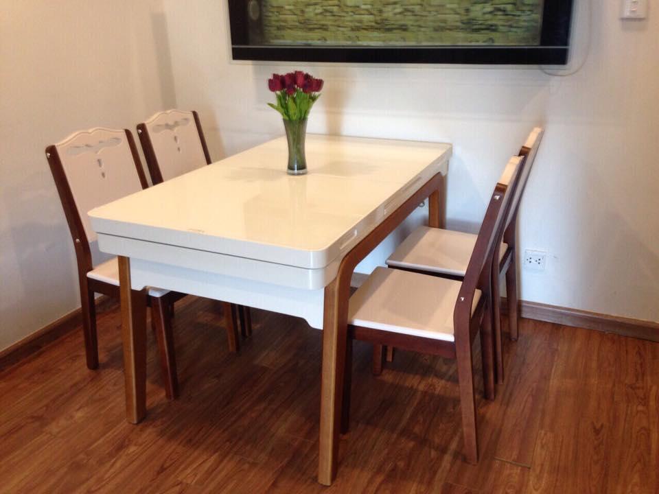 giao bộ bàn ghế ăn thông minh cho khách