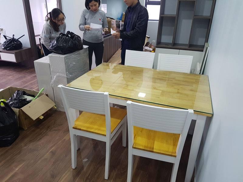 Giao bộ bàn ăn 4 ghế