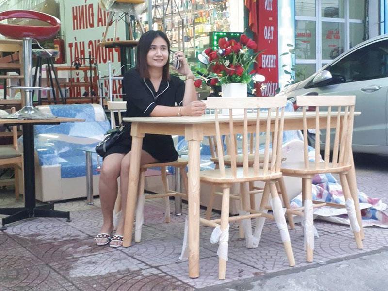Giao bộ bàn ăn 4 ghế chị Hạnh Mĩ Đình