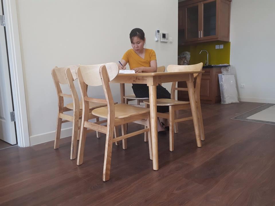 giao bộ bàn ăn 6 ghế cho khách