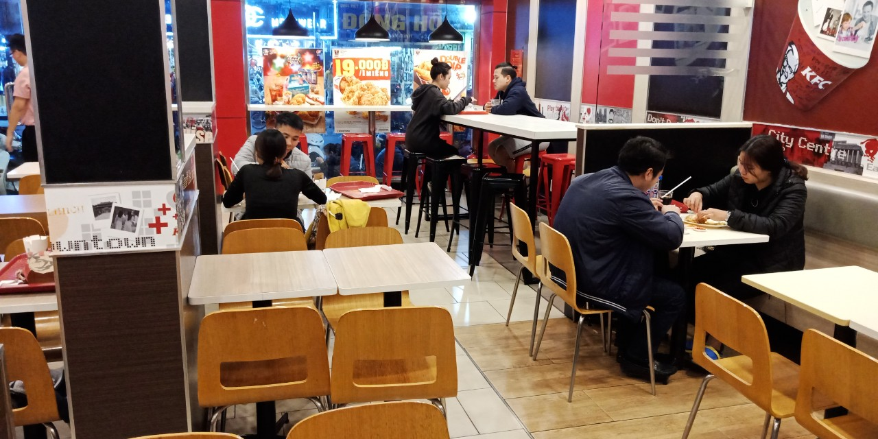 Giao bàn ghế ăn ăn cho KFC Hoàng Mai