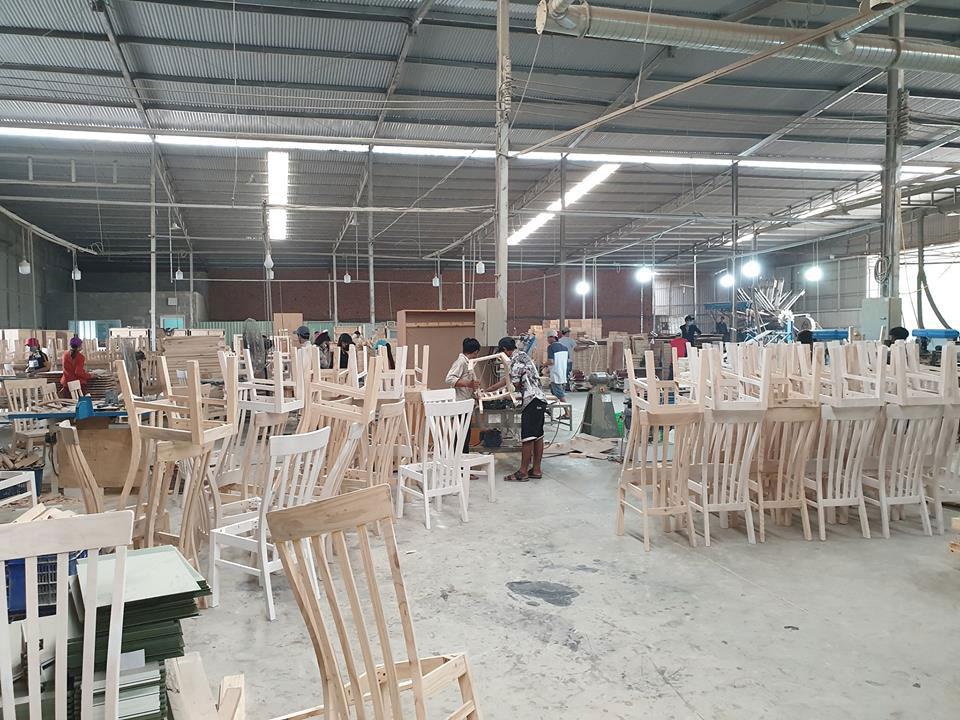 Nhà máy sản xuất bàn ghế ăn