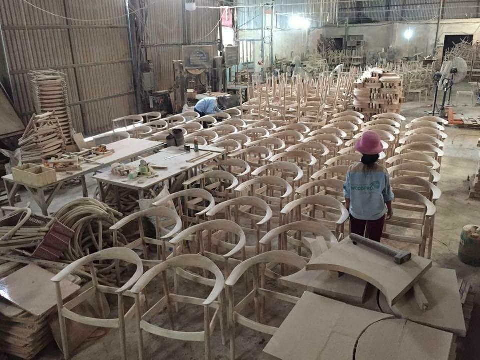 Quá trình sản xuất ghế ăn và bàn ăn