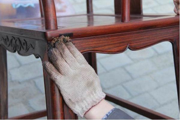 xử lý bàn ghế ăn bị lứt lỗi