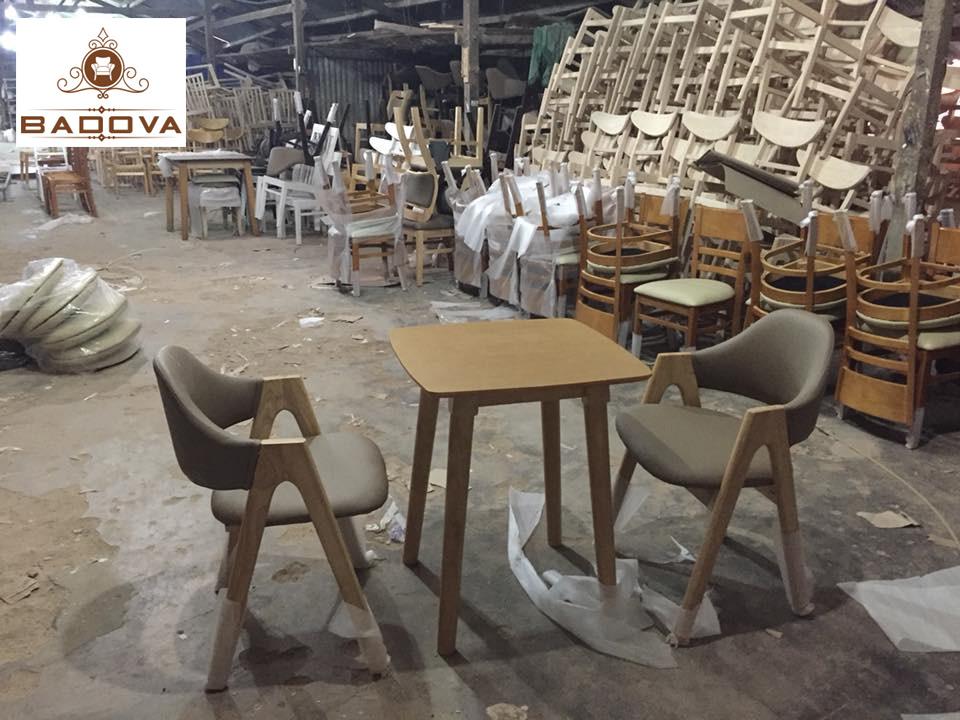 Bàn Cafe Badova