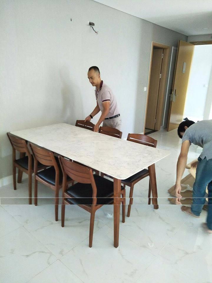 Giao bộ bàn ăn mặt đá gỗ sồi