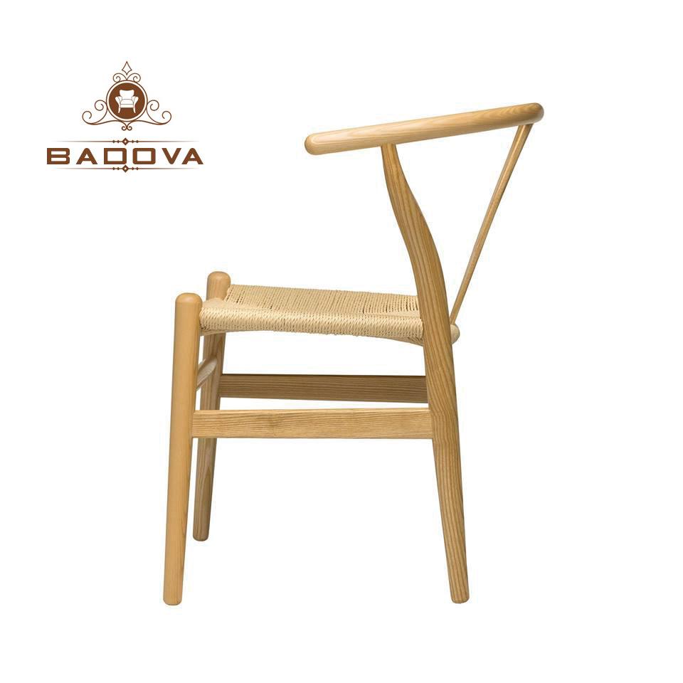 mặt ngang của ghế wishbone