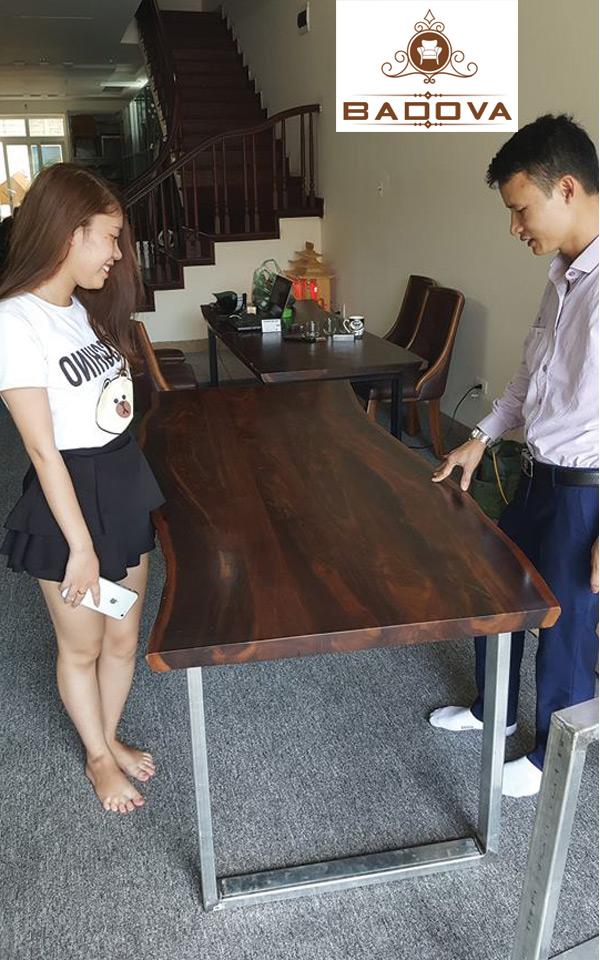 vệ sinh bàn ăn gỗ sồi