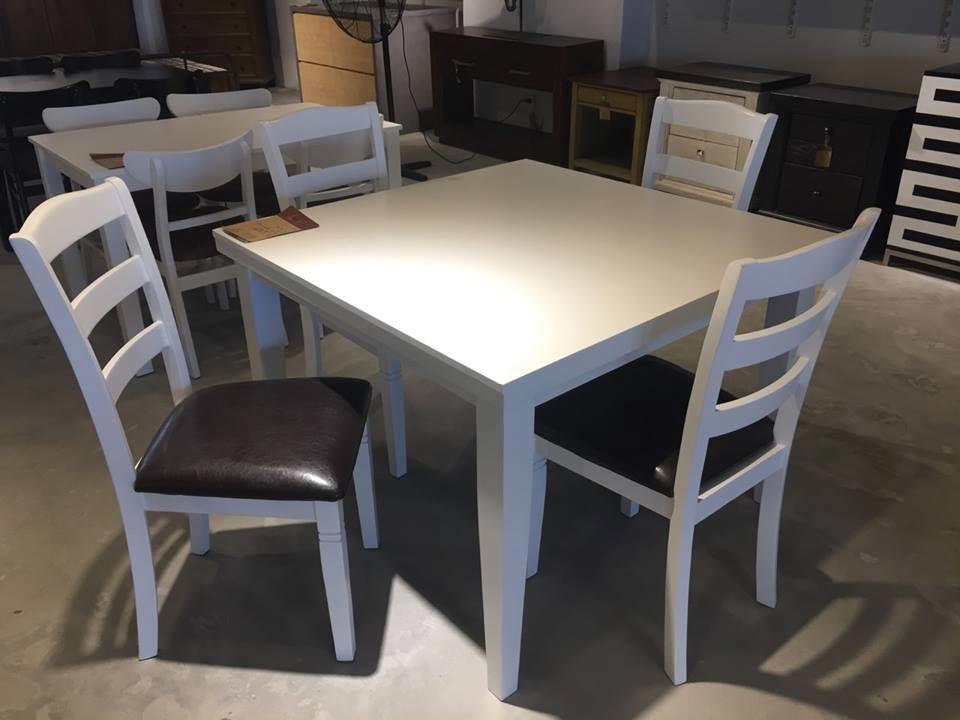 Khuyến mãi bàn ăn 4 ghế