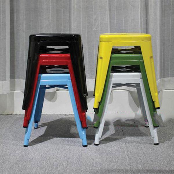 Ghế thiết kế có khả năng xếp chồng gọn dễ dàng